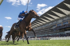 OLD PERSIAN AND WILLIAM BUICK WINNING THE KING EDWARD V11 STAKES.ASCOT 22-6-18.©George Selwyn  07967 030722 email: george@georgeselwyn.co.uk Vat no:3308110 05
