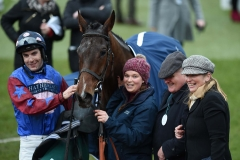 PAISLEY PARK IN THE WINNERS ENCLOSURE WITH CONNECTIONS.CHELTENHAM 26-1-19.©George Selwyn  07967 030722 email: george@georgeselwyn.co.uk Vat no:3308110 05